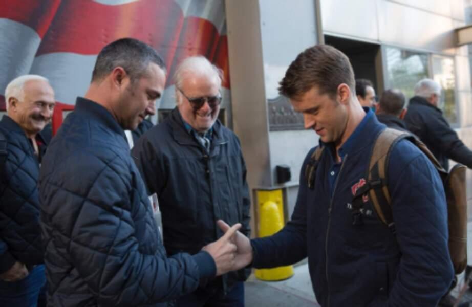 """Il a ensuite inventé un """"check"""" avec Jesse Spencer, l'interprète de Casey"""