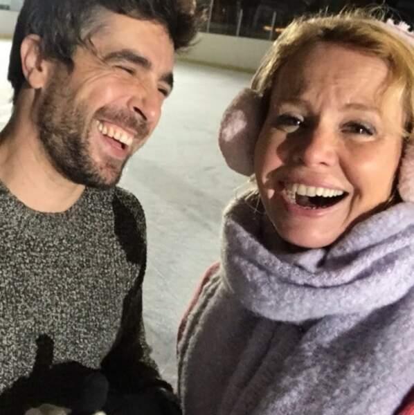 Sur le tournage de Clem, la bonne humeur est toujours de rigueur, en témoigne Agustin Galiana et Carole Richert