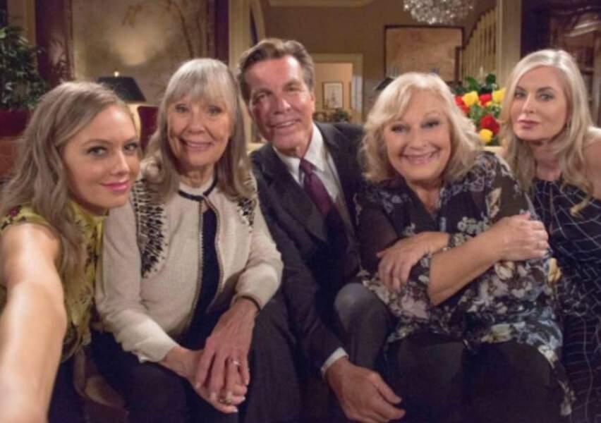 Dans Les Feux de l'amour, presque toute la famille Abbott a été enfin réunie.