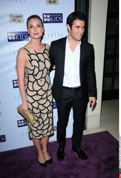Emily VanCamp et Joshua Bowman, les stars de Revenge