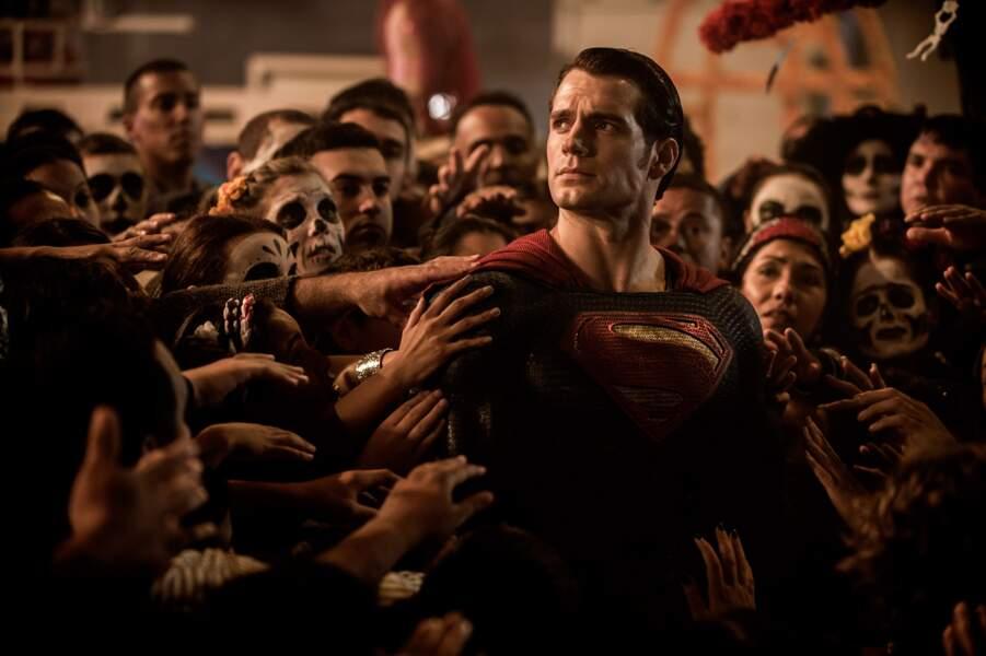 En mars 2016, il renfilera le costume de Superman dans Batman V Superman : l'aube de la justice
