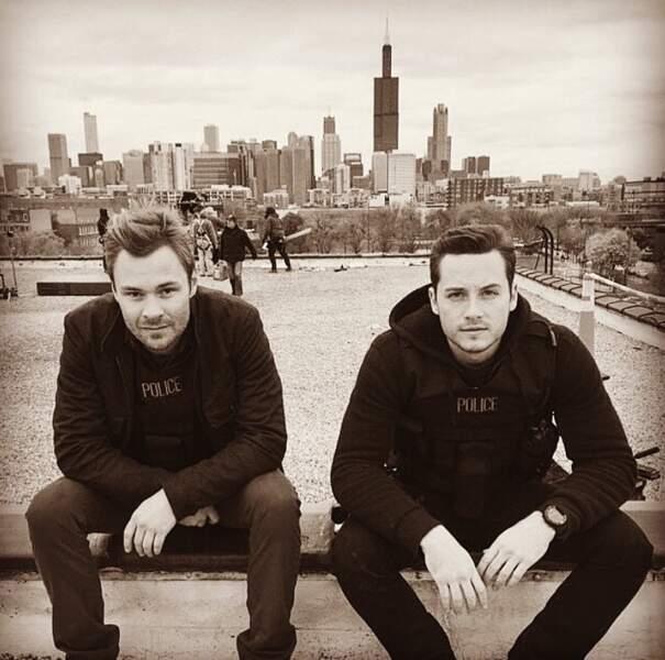 Patrick John Flueger et Jesse Lee Soffer, les deux flics de Chocago PD, semblent au bout du rouleau…