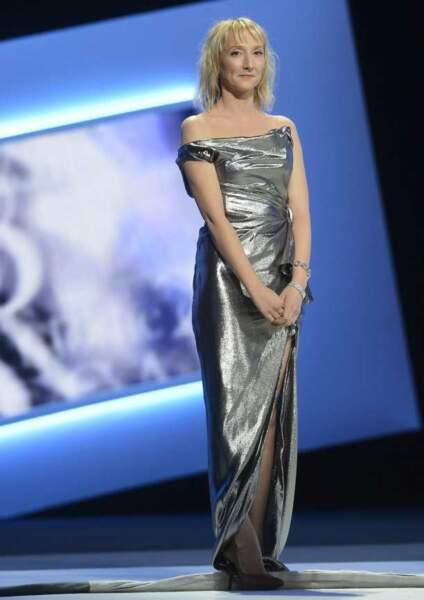 Audrey Lamy a osé la robe en aluminium