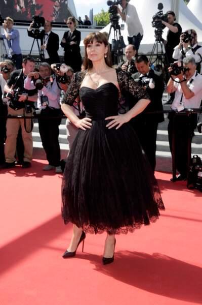 Monia Bellucci, impériale dans sa robe noire en dentelle