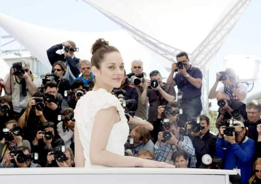 Marion Cotillard devant les photographes