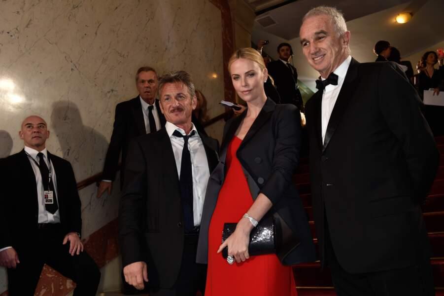 Sean Penn, qui a reçu un César d'honneur, était accompagné de Charlize Theron