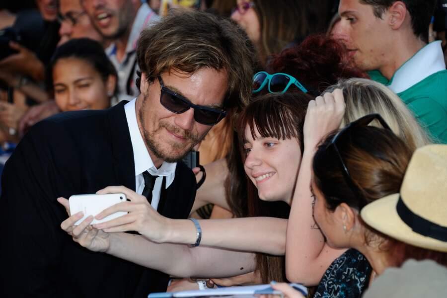 L'acteur Michael Shannon (99 Homes) a signé de nombreux autographes…