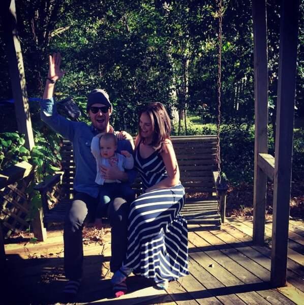 Bain de soleil en famille au Texas pour Stephen Amell (Arrow)
