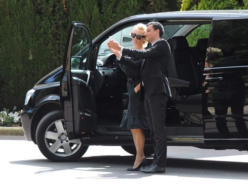 Un petit selfie avec le chauffeur, ça ne peut pas faire de mal.