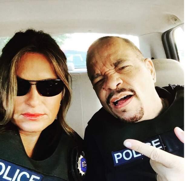 Mariska Hargitay, alias Olivia Benson, et Ice-T, l'interprète d'Odafin Tutuola, jouent les méchants pour la photo