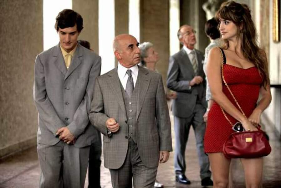 Alessandro Tiberi, Roberto Della Casa, Penélope Cruz dans To Rome with love (2012)