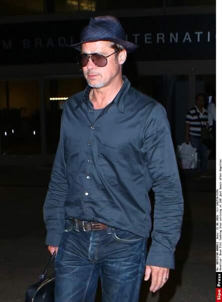 En juin 2016, Brad Pitt débarque de France seul, l'air maussade, à Los Angeles, quelques heures après Angelina