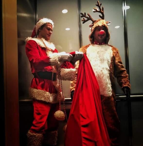 Lucas Till semble avoir oublié qu'il incarne MacGyver et non le Père Noël