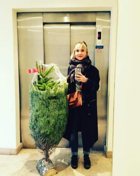 Sur Instagram elle n'hésite pas à poster les moindres moments de sa vie, comme ici son choix de sapin pour Noël !