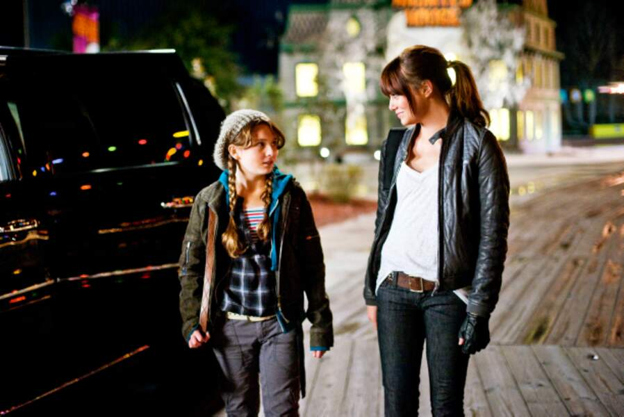 """L'actrice dans Bienvenue à Zombieland (2009), avec sa """"soeur"""" Abigail Breslin"""