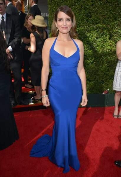 Tina Fey, une robe bleu électrique pour la star de 30 Rock