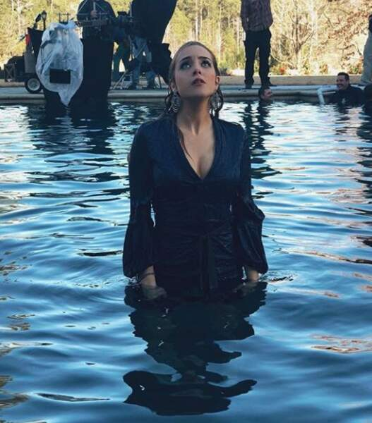 Une bagarre dans une piscine semble à prévoir dans les prochains épisodes de Dynastie...