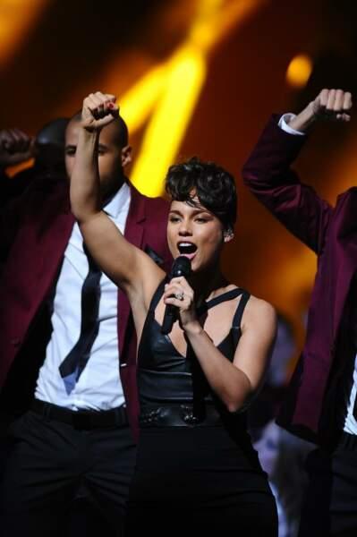 Alicia Keys enflamme les NMA sur Girl on fire