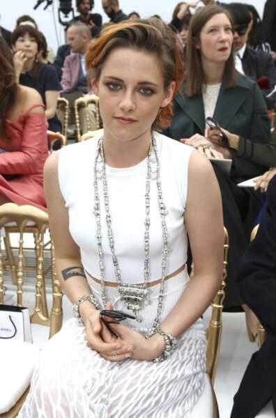 Kristen Stewart, heureuse d'être au défilé Chanel...