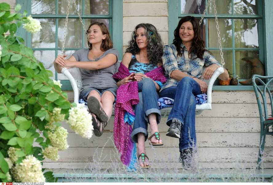 Son 1er grand rôle dans Peace Love Misunderstanding, en 2011, avec Jane Fonda et Catherine Keener. Elle a 21 ans.