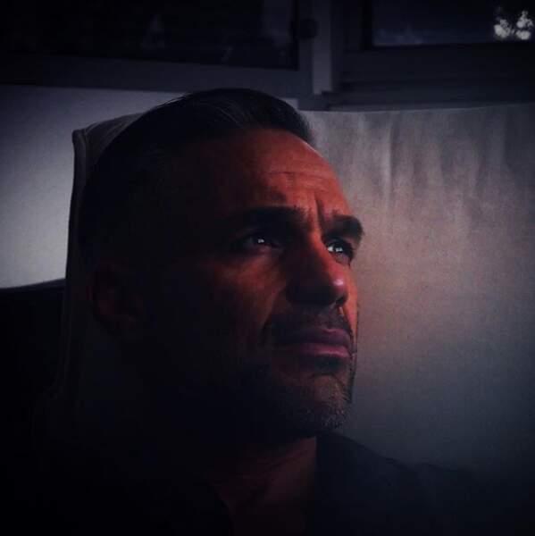 Philippe Bas dans la pénombre en attendant la saison 9 de Profilage...