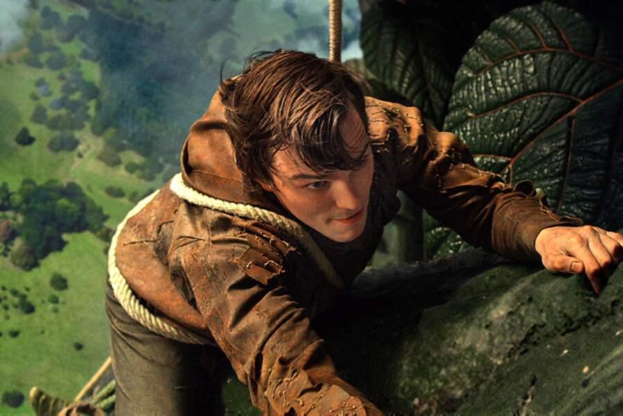 Nicholas Hoult grimpe sur le haricots géant dans Jack le chasseur de géants de Bryan Singer (2013)