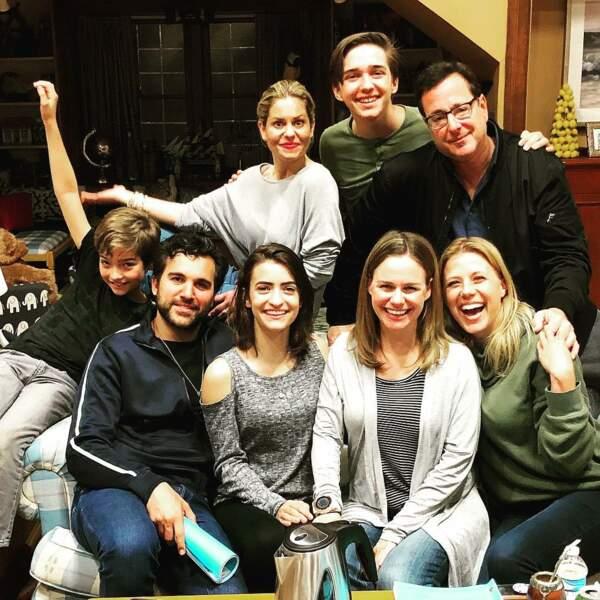 Il y en a du monde sur le canapé de Fuller House pour la saison 4 !