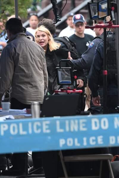 Sur le tournage de Homeland, Claire Danes ne semble pas contente du tout. Ça risque de chauffer