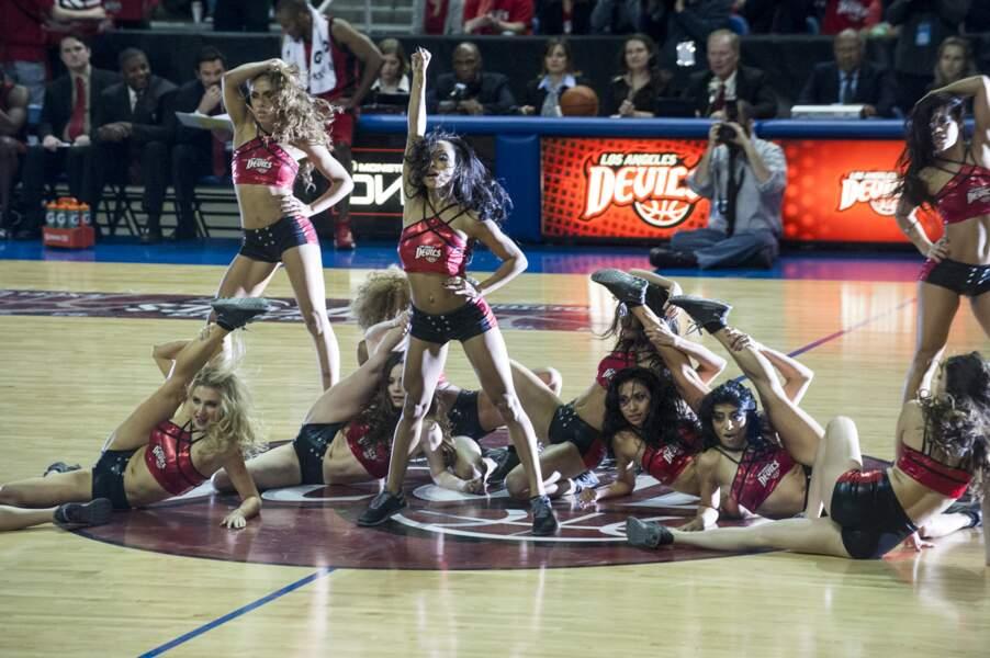 Dean Cain revient avec la série Hit the Floor, sur l'univers des pom-pom girls américaines