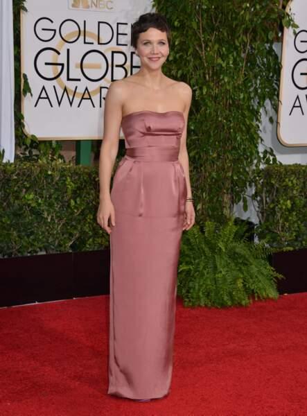 Maggie Gyllenhaal, coupe à la garçonne mais très en beauté