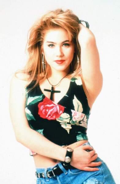 Son flirt avec l'actrice Christina Applegate ne dure guère plus qu'une apparition aux MTV Movie Awards en 1989