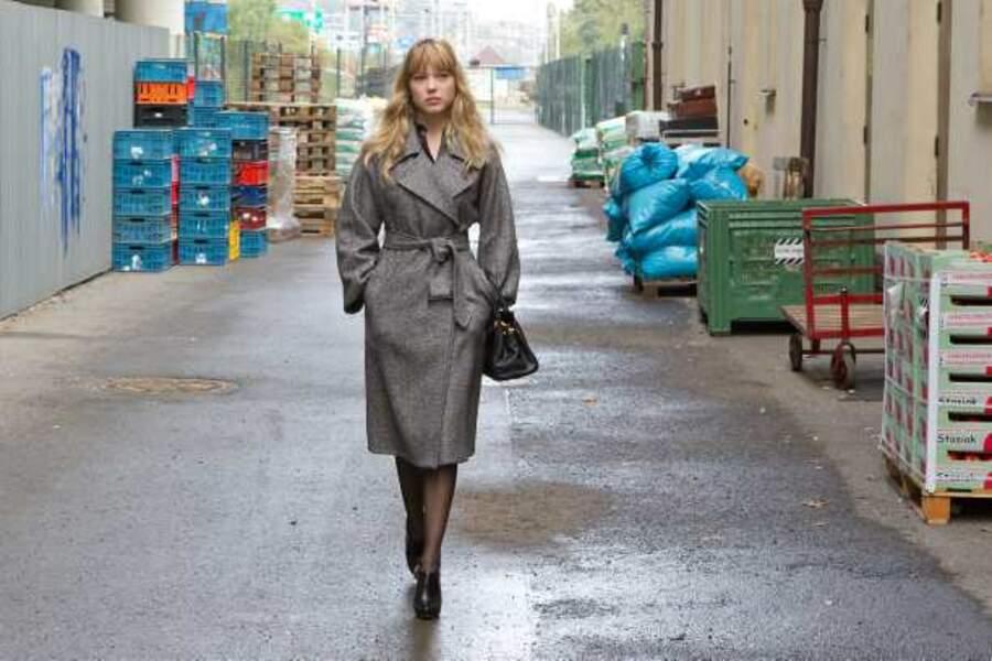 En imperméable dans Mission : Impossible - Protocole fantôme (2011)