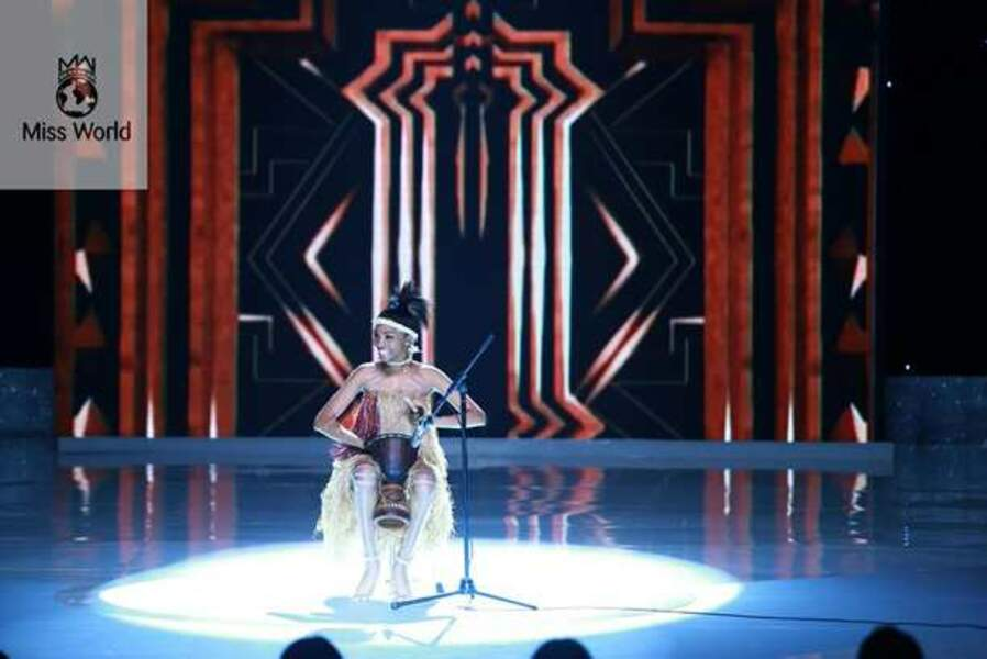 Miss Cameroun au concours de talent