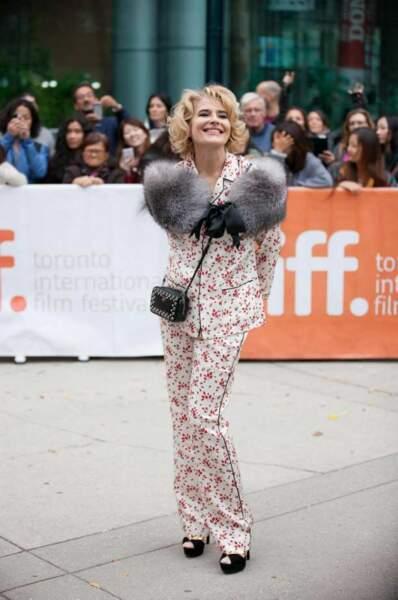 Fanny Ardant a sorti son plus beau pyjama