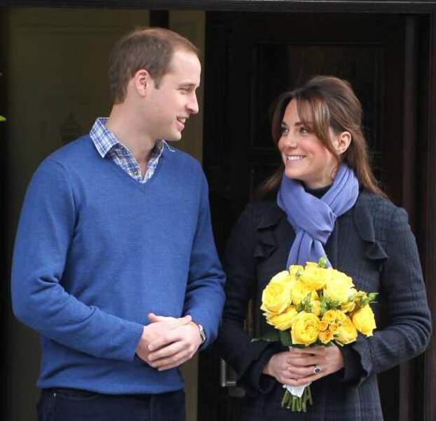 6 décembre 2012 : Kate et William sortent de l'hôpital, quelques jours après l'annonce de sa grossesse