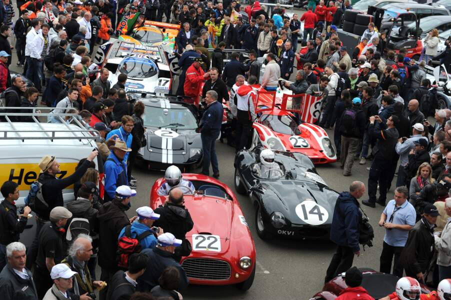 Parade de vieilles voitures