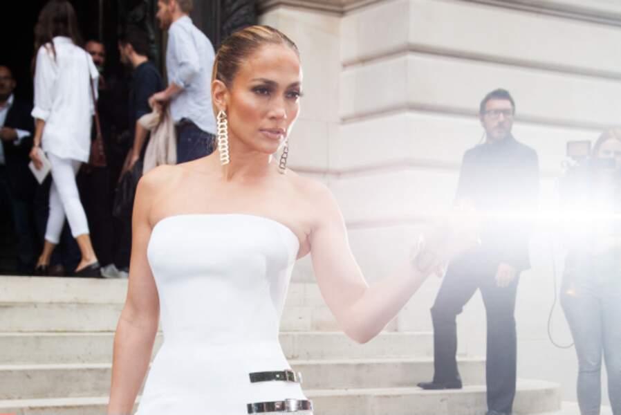 Jennifer Lopez illuminée par la grâce