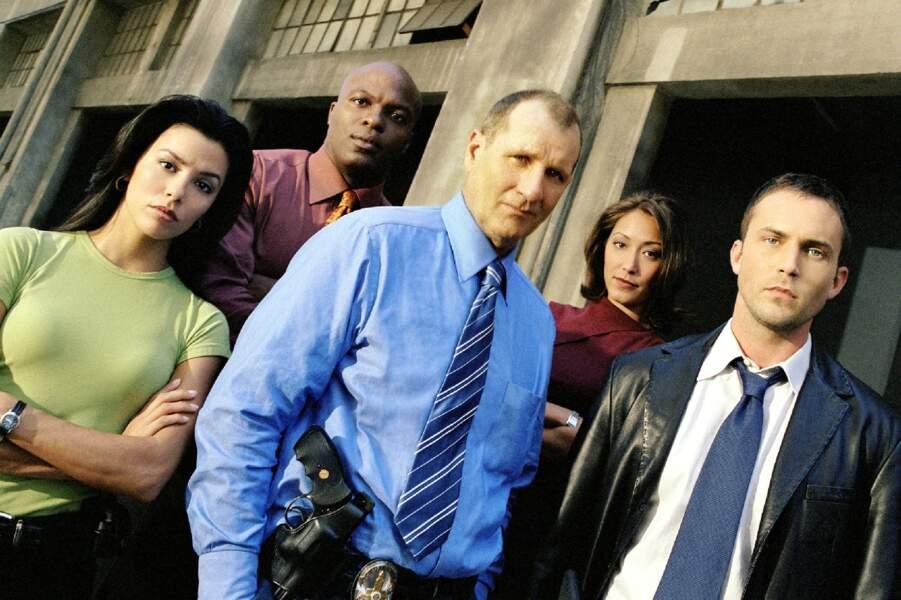 En 2002-2003, elle joue dans la deuxième saison de la série policière L.A. Dragnet