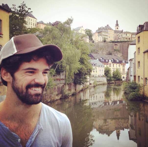 De la France, l'acteur a aussi fait un saut au Luxembourg