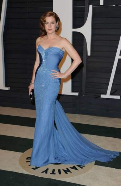 Amy Adams, 40 ans, en tenue très vintage.