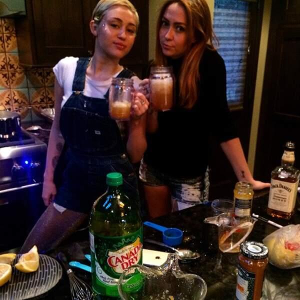 Miley Cyrus trinque avec sa soeur