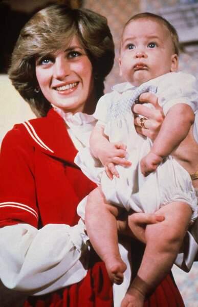 En 1982, William est baptisé, dans les bras de sa mère Diana