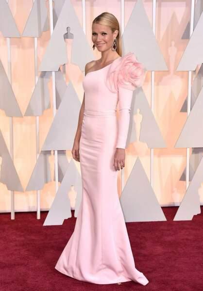 Gwyneth Paltrow, 42 ans, dans une robe sidérante…