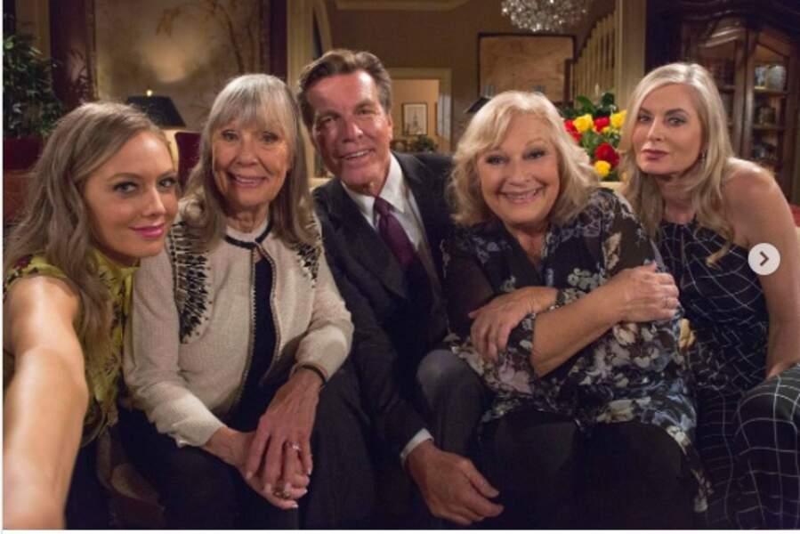 La famille Abbott au grand complet sur le plateau des Feux de l'amour