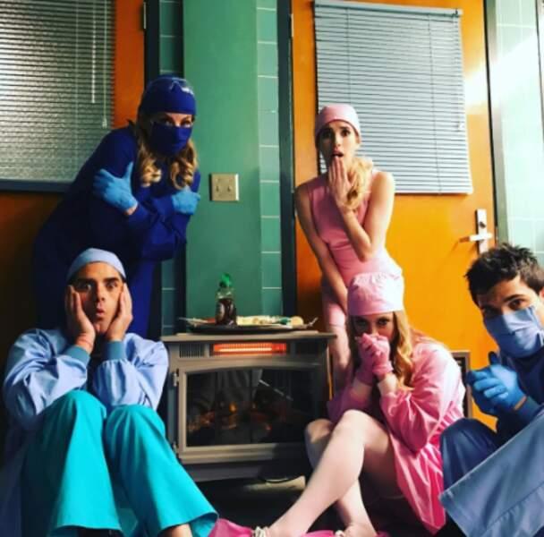 John Stamos participe à la saison 2 de Scream Queens, qui se déroule dans les couloirs d'un hôpital