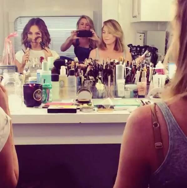 Instant glam dans la loge maquillage