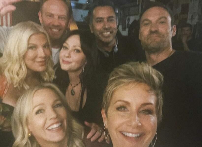 Les stars de Beverly Hills ont le sourire sur le tournage de leur suite qui s'annonce fun