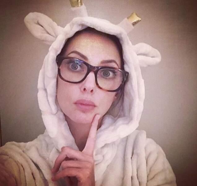 Vu que personne ne lui propose un rôle de licorne, elle se déguise d'elle-même...