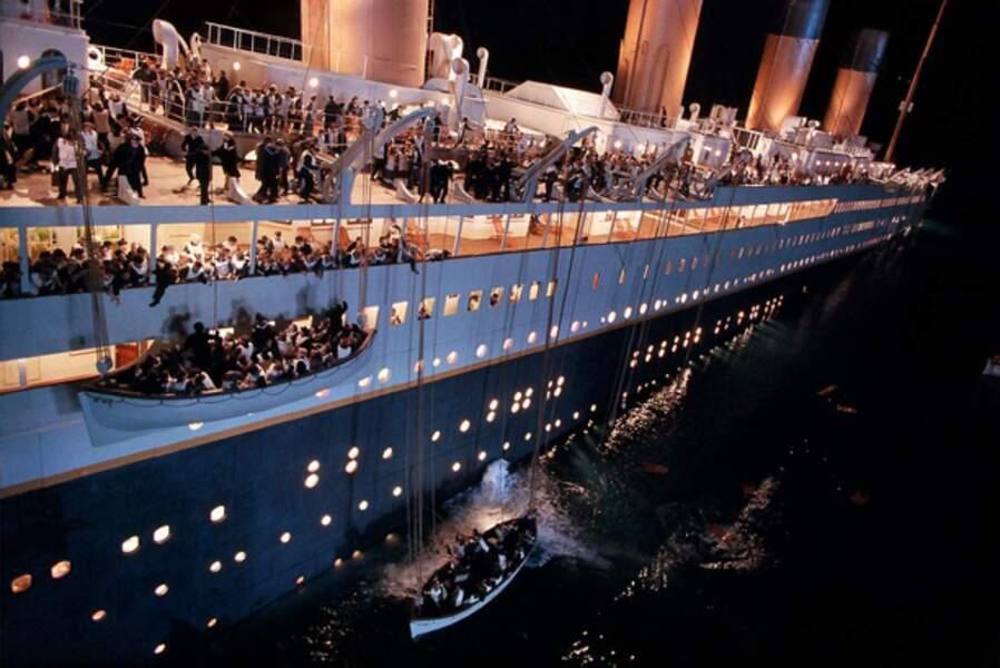 Titanic : 2,2 milliards de dollars de recettes (1,6 milliard d'euros)