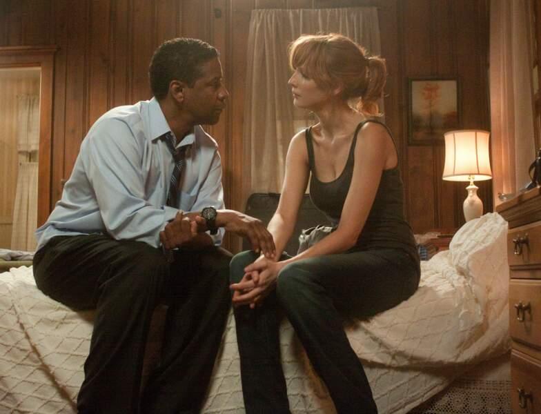 Dans ce long métrage, elle donne la réplique à Denzel Washington